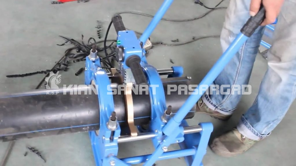 hdpe butt fusion machine 160 hand push operation video.mp4 snapshot 02.30 2018.07.02 14.31.15 1024x576 - دستگاه جوش پلی اتیلن دستی